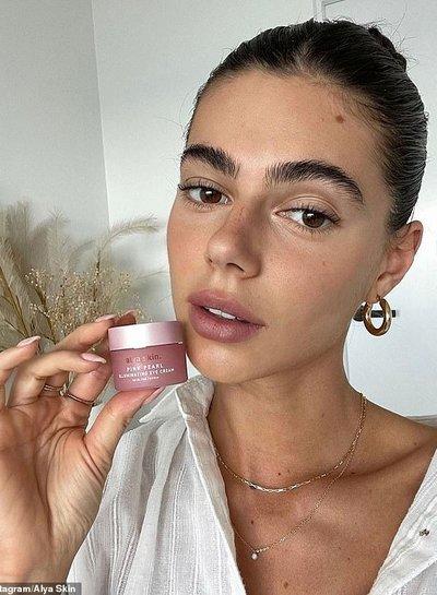 Alya Skin  Pink Pearl Illuminating Eye Cream