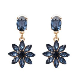 CHIC FLOWER EARRINGS