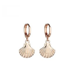 SHELL EARRINGS - GOLD