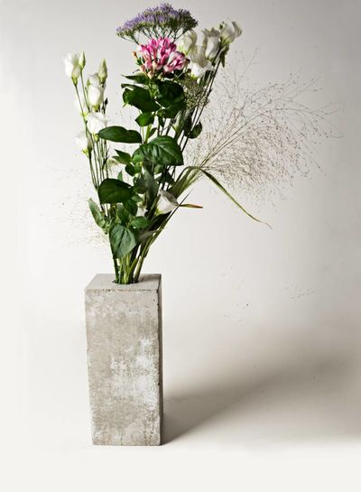 Acc. Concrete Accidental ConcreteI Betonvase