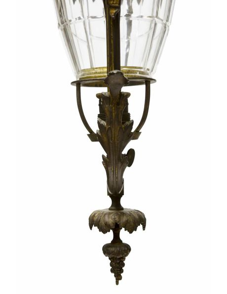 Brocante hanglamp, brons armatuur rondom glazen kap, ca. 1910