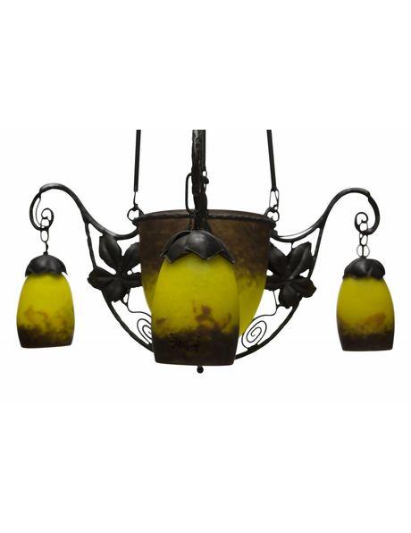hanglamp, zwart met geel gesigneerd glas in smeedijzer, ca. 1940