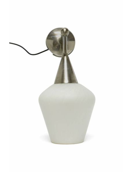 Vintage wandlamp, wit glazen kap, ca. 1940