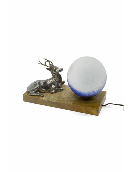 Landelijke tafellamp, voet met hert en glazen bol, ca. 1930