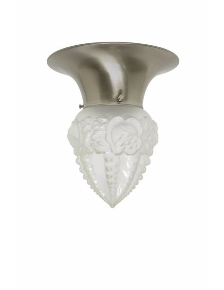 Plafondlamp, chroom kleurige kraag met matglazen rozenkransje, ca. 1930