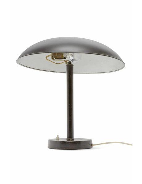 Zwarte bureaulamp van metaal met bolvormige lampenkap, ca. 1950