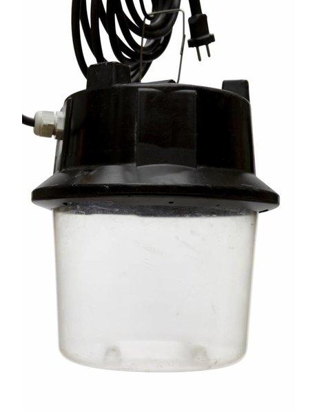 Zwarte hanglamp met industrieel uiterlijk, kunststof, ca. 1950