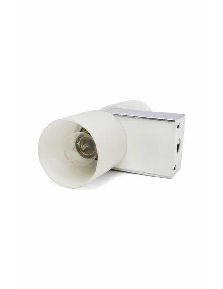 Retro wandlamp, wit glas, chroom armatuur