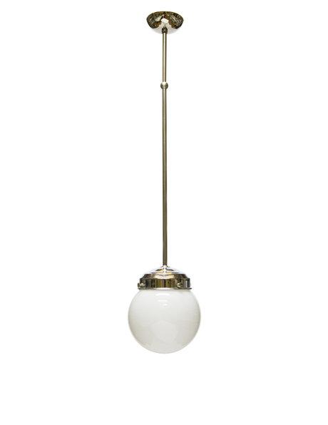 Oude hanglamp, witte glazen bol, ca 1940