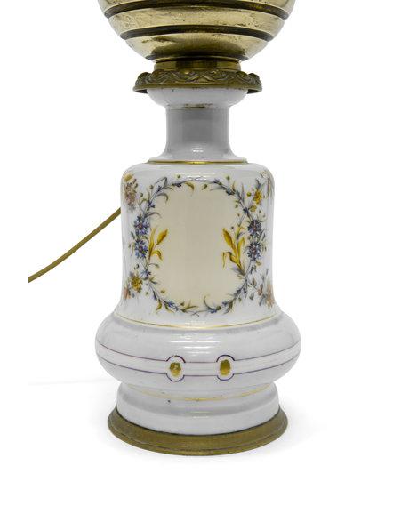 Brocante tafellamp, een omgebouwde olielamp, ca. 1930