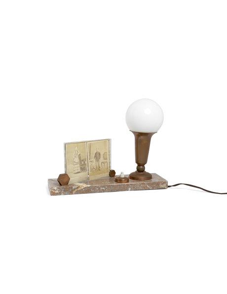 Klassieke tafellamp met fotolijstje op voet, ca. 1930