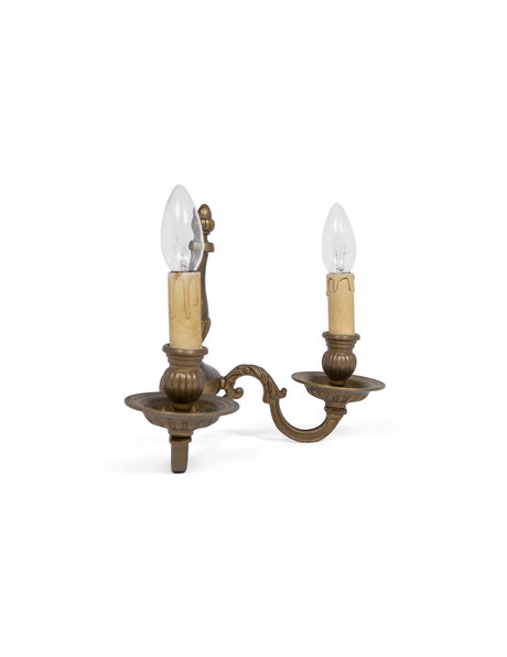 Classic wall lamp with two candles