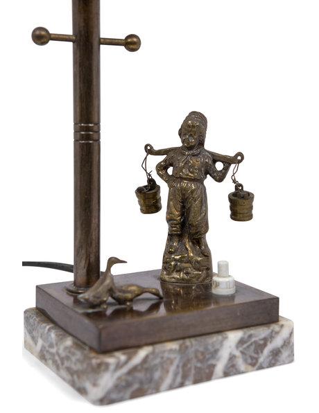 Brocante tafellamp, lantaarnpaal met boer, ca. 1930