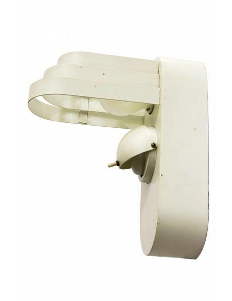 Wit metalen wandlamp, design verlichting, 2 lichtpunten die los van elkaar kunnen schakelen, ca. 1950