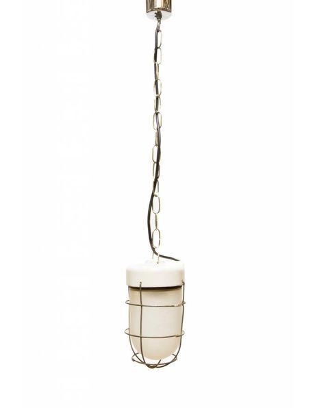 Industriele kooilamp, oude hanglamp aan ketting met porselein armatuur, ca. 1950