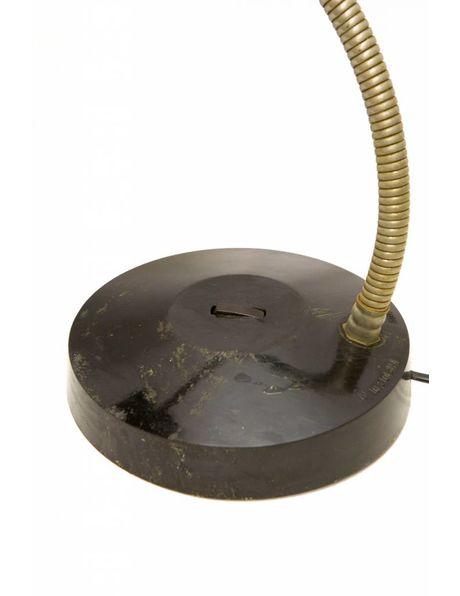 Retro bureaulamp, zwarte kap en voet met chroom kleurige arm, ca. 1950