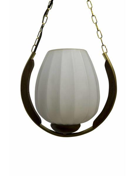 Hanglamp design, glazen kapje in hout en koper frame, ca. 1950