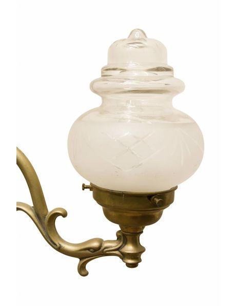 Wandlamp uit 1920, bronzen armatuur met dubbele glazen kapjes