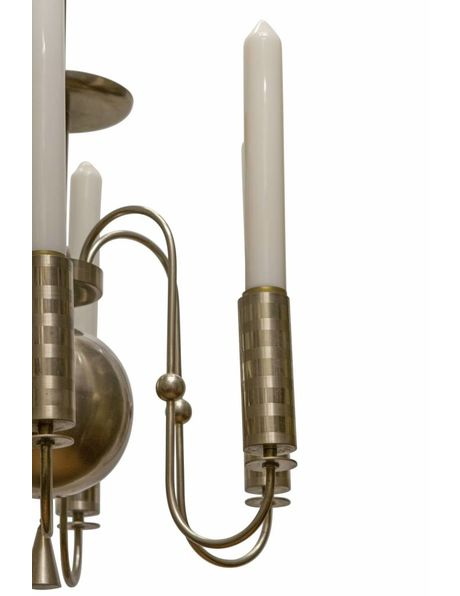 Kroonluchter uit 70er jaren, chroom met wit glas, strak vorm gegeven