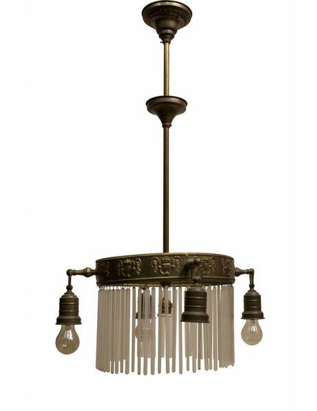 Antieke Hanglamp prachtig bewerkt koperen armatuur, lange glazen kralen en 4 losse lichtpunten, ca. 1910