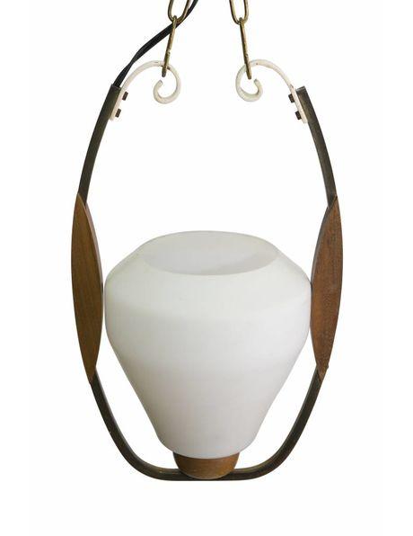 Houten hanglamp, glazen kelk in houten ring, ca. 1950