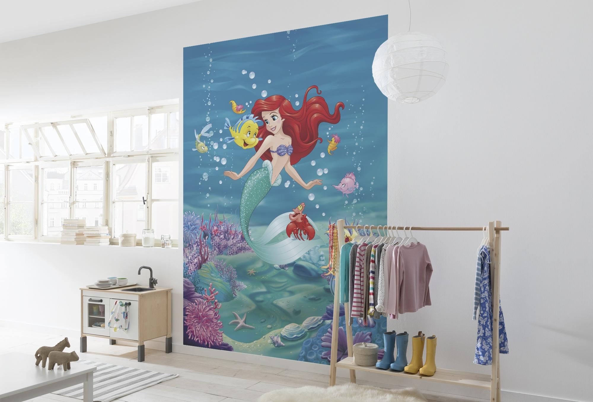Disney Edition 4 Kinderbehang Komar - Kinderkamer behang ARIEL SINGING
