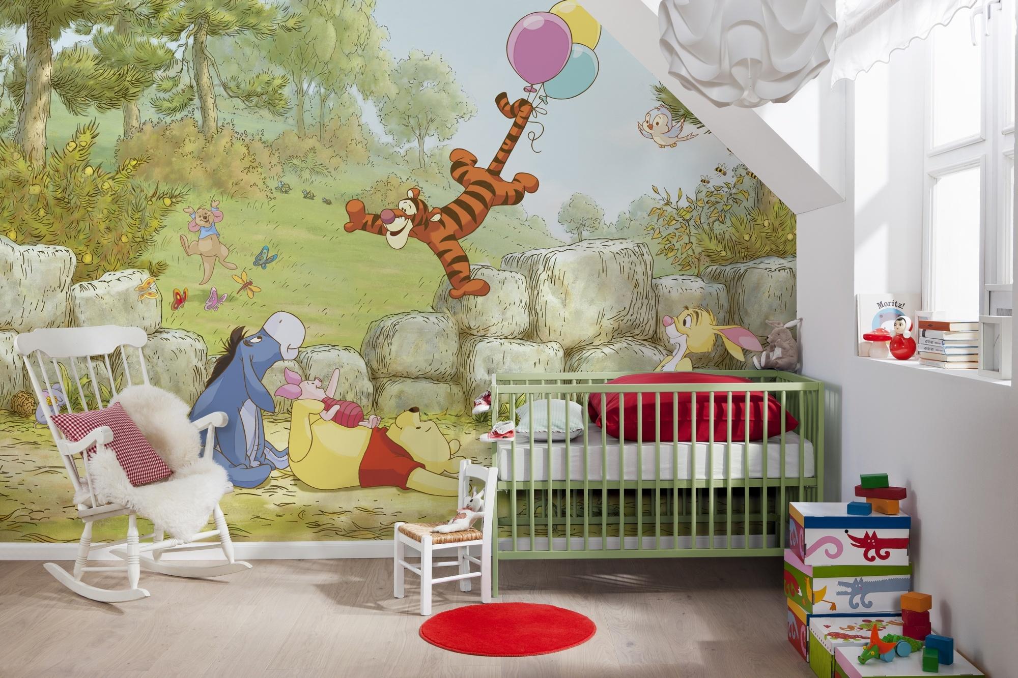Disney Edition 4 Kinderbehang Komar - Kinderkamer behang WINNIE POOH BALLOONING