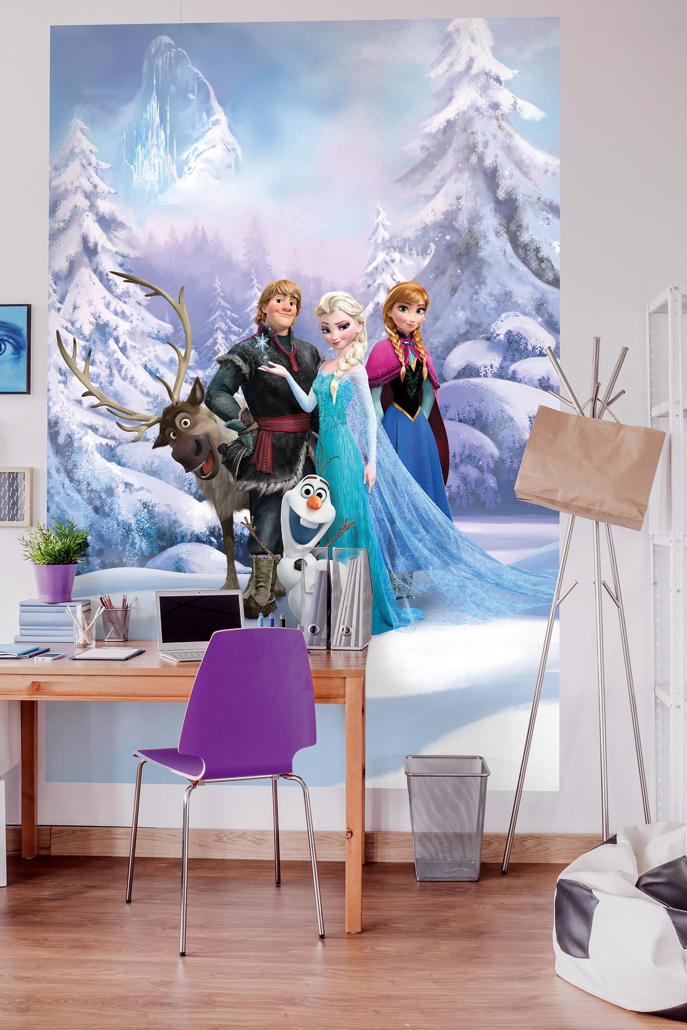 Disney Edition 4 Kinderbehang Komar - Kinderkamer behang FROZEN WINTER LAND