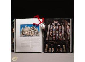 Heiliges Licht. Mittelatlerliche Glasfenster in Europa by Xavier Barral I Altet