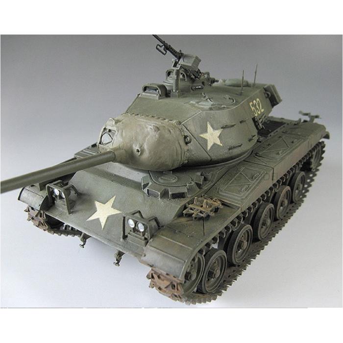 1:35 M41 Walker Bulldog Tank Construction Kit - Army Plastic Hobby DIY Model 35055