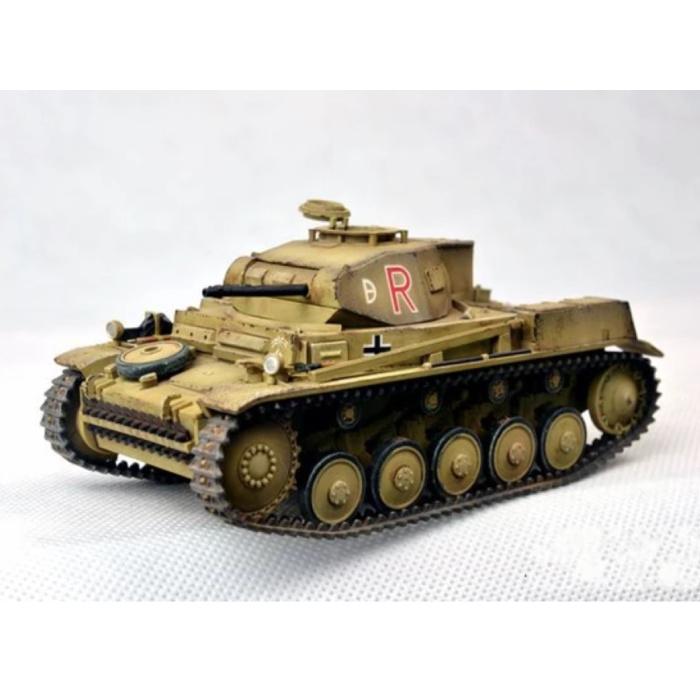 1:35 Panzer Kampfwagen II Tank Construction Kit - German Panther Army Plastic Hobby DIY Model 35009