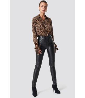 NA-KD Waxed high waist trousers zwart 1100-000670