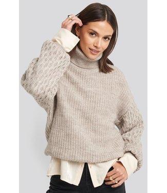 NA-KD Sleeve detailed knitted polo sweater zand 1018-003183