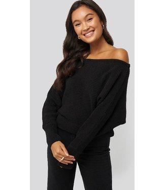 NA-KD Off shoulder knitted sweater zwart 1100-000102