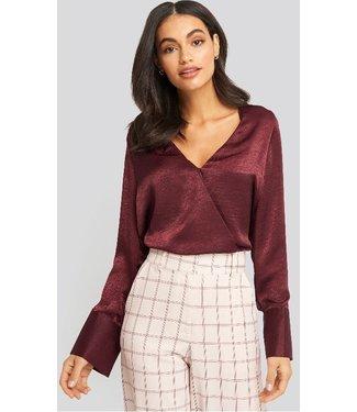 NA-KD Wrap satin blouse rood 1100-002024