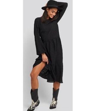 NA-KD Flowy maxi dress zwart 1014-000700