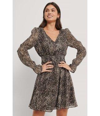NA-KD Smock detail chiffon dress bruin 1018-004742