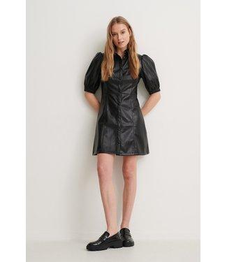 NA-KD Puff sleeve pu dress zwart 1018-006303