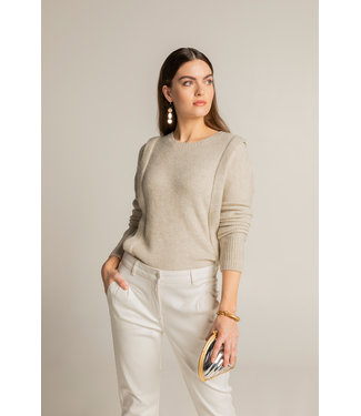 Expresso Pleat at shoulder sweater off white Ex21-11004
