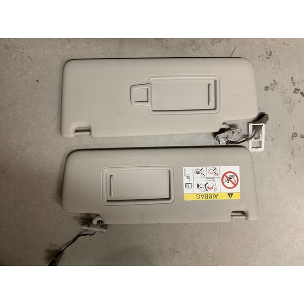 VW AG Zonneklep Set Link Rechts 5TA857552A 5TA857551