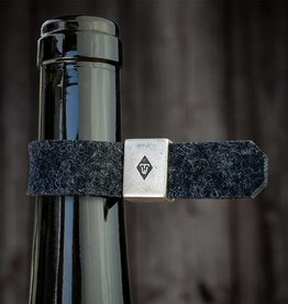 The gift for wine lovers: bottle drip stop, wine collar, drop stop, Metal ring with felt loop in anthracite mixed