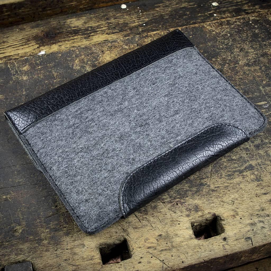 """iPad Pro 11 12.9 Tasche Leder Filz Ledertasche """"Werkzeugtasche Tiefschwarz"""" passend gefertigt für iPad Pro"""