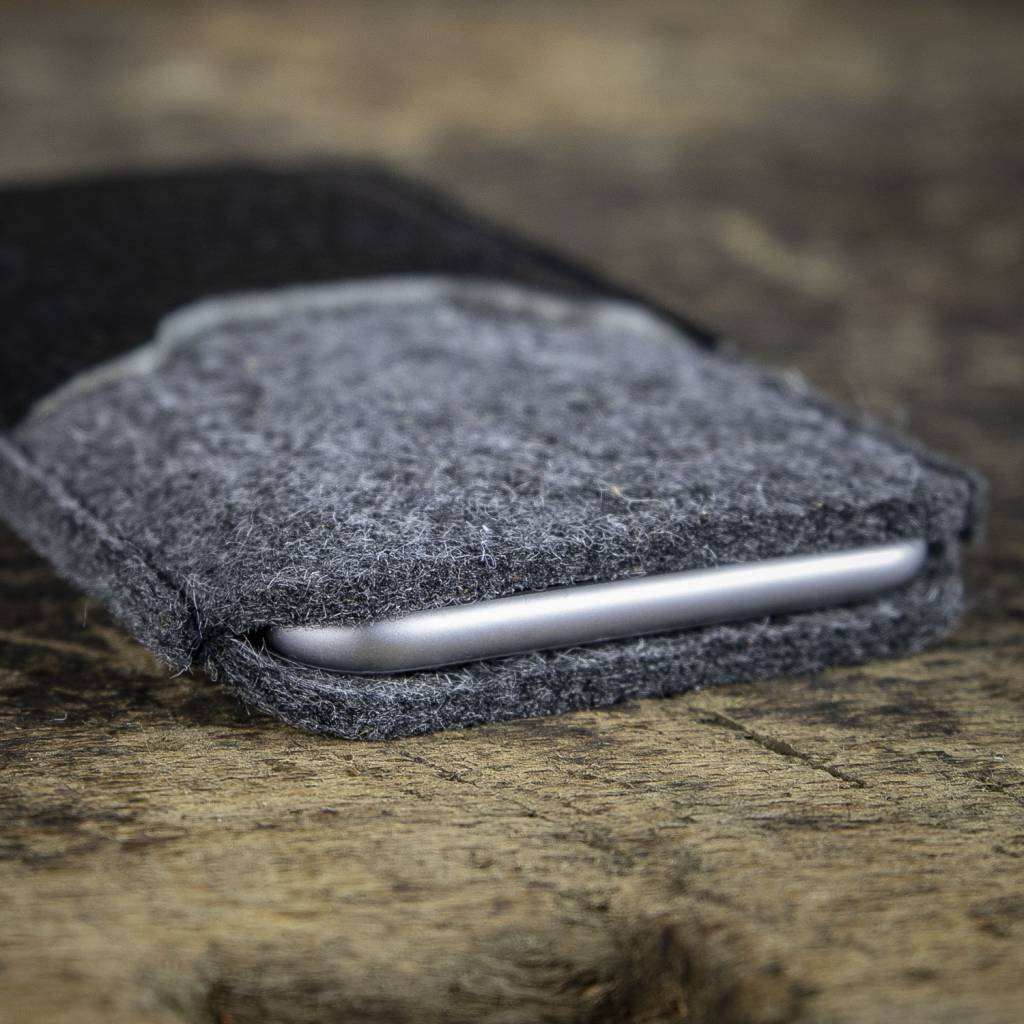 iPhone 12 Pro Max mini felt sleeve with leather compartment SCHUTZANZUG