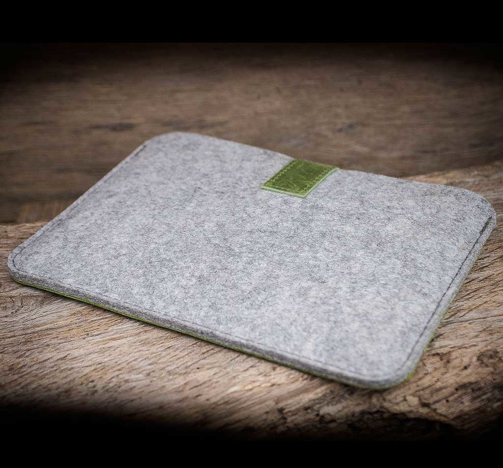 MacBook Pro 13 / Air 13 leather felt case sleeve FACHWERK green, suitably crafted for your MacBook