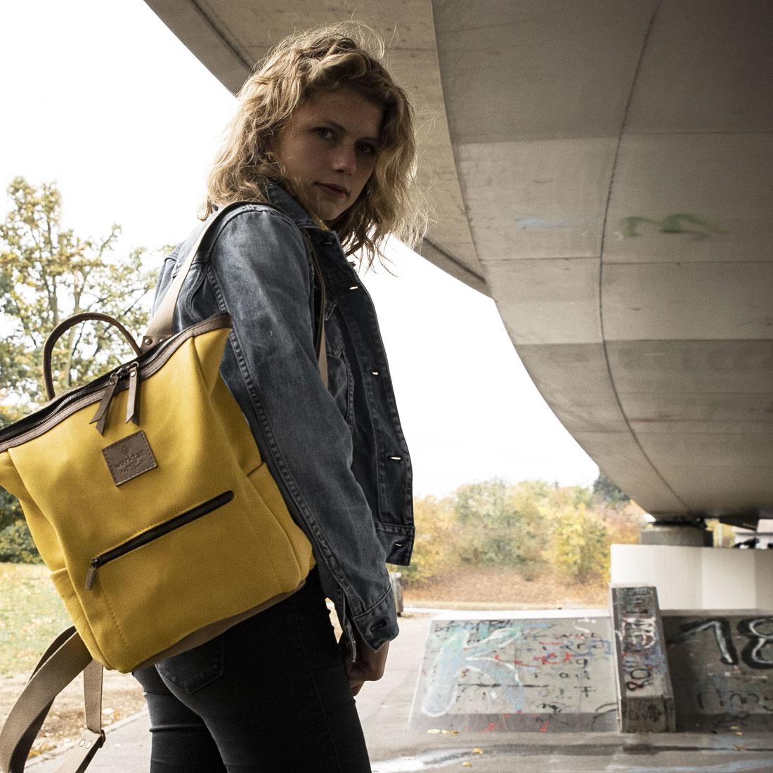 "Backpack leather for women ""HukkePakk"", in corn-yellow"