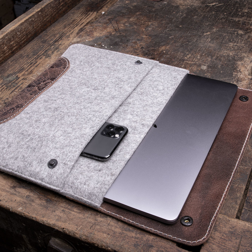 "MacBook Pro 13"" leather felt case – unique piece in brown / gray mixed"