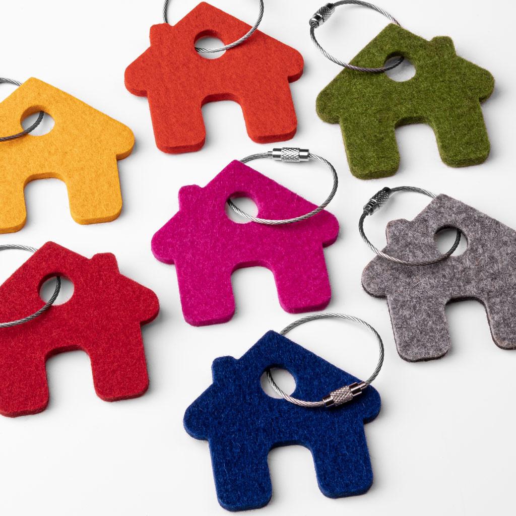 Filz Schlüsselanhänger Haus in grau, rot, orange, pink (magenta), blau, gelb oder grün