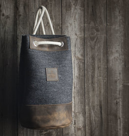 """gym/sports bag, backpack, duffle bag MEERWERK from felt anthracite and leather """"chocolate"""""""