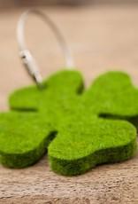 Glücksklee Schlüsselanhänger Filz gras grün meliert mit Stahlseil, Glücksbringer als Geschenkanhänger, kleines Geschenk, Glück-Anhänger Neujahr Silvester Jahreswechsel