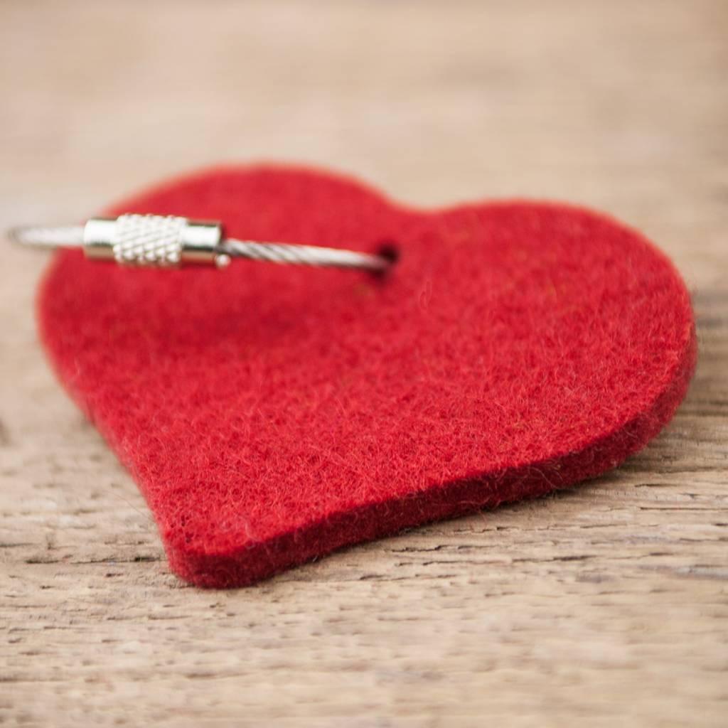 Filz Schlüsselanhänger Herz, dunkel rot uni mit Stahlseil